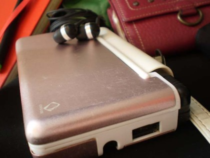 Penryn the DS Lite + Creative in-ears
