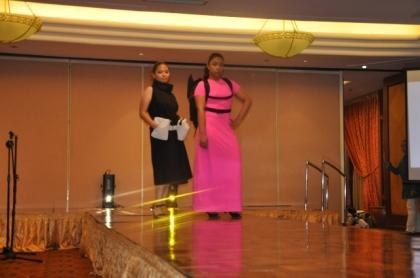 Baggets models Kath Uson (Class 2010) and Pamela Enriquez (Class 2011)